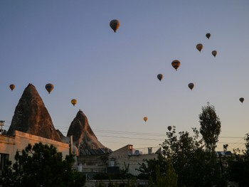 Lots of ballons over Göreme