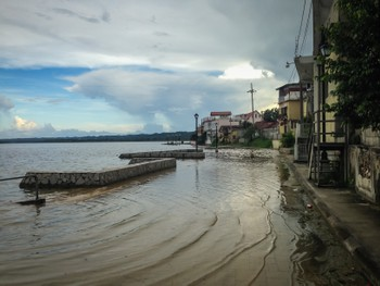 The lake at Flores is also rising